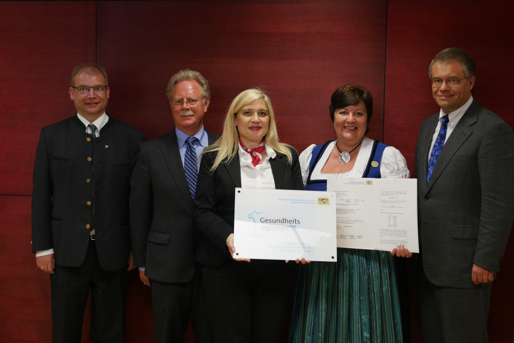 """20.05.2015 Landkreis Weilheim-Schongau wird """"Gesundheitsregion plus"""" – Förderbescheid in Höhe von knapp 230.000 Euro überreicht"""